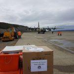 Avión Hércules hace su tercer abastecimiento para escuela de la Antártida