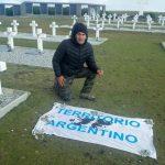 Veterano de Malvinas y exfutbolista quedó detenido en las Islas por una bandera argentina e insultos