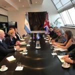 La vicecanciller británica visitó el país y pidió conocer el contenido de los anuncios sobre Malvinas