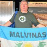 El compromiso de Malvinizar: la historia de Roberto Barrientos, Veterano de Guerra fallecido por Covid-19