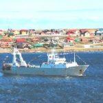 Buques españoles continúan robando los recursos pesqueros argentinos con ayuda británica
