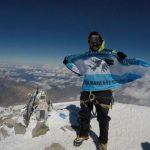 Hizo cumbre en cuatro de los siete picos más altos del mundo con la bandera de Malvinas